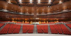 Impressive Auditorium for up to 2.000 people close to the Airport