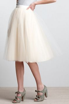 DIY Anthropologie Tulle Skirt - FREE Sewing Tutorial  This looks like it's tulle with a satin underlay. You could also do all tulle. -&