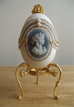Collectibles Mercantile: Egg Fantasy Goose Egg Music Box