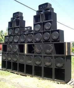 Fancy Face sound system: Built in the 90's with one Peavey 2000 and fold horns for the low with the top ends being a pyramid 800 and some BK 15' was a real system design for small