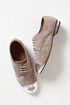 Anthropologie - Armory Oxfords from Anthropologie. Saved to Shoes👠. Shop more products from Anthropologie on Wanelo. Dress Shoes, Dance Shoes, Everyday Shoes, Oxford Flats, Comfortable Fashion, New Shoes, Flat Shoes, Brogues, Shoe Brands