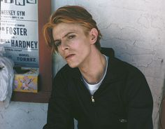 This snapshot was takenin the summer of 1975 by Geoff MacCormack while Bowie was on location shooting The Man Who Fell To Earth in New Mexico.