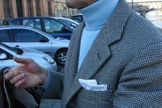 LIGHT BLUE TURTLENECK + DOUBLE FACE SUIT men style firenze florance blog