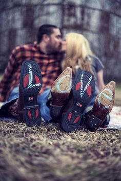 Cute idea for a country engagement photo..