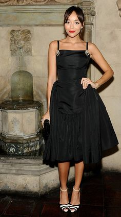 Ashley Madekwe (October 2012) in gorgeous fifties style dress. Streetstyle