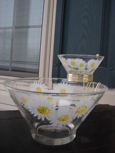 Vintage Retro Daisy Chip and Dip bowl set