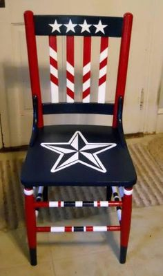 How to Decorate with an Americana Theme Americana Crafts, Patriotic Crafts, Patriotic Decorations, July Crafts, Hand Painted Chairs, Funky Painted Furniture, Paint Furniture, Painted Stools, Painted Tables