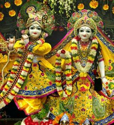 Take a glimpse of exclusive clicks of the temple, deities, festivals and events that will offer you the feel of Vrindavan spiritual essence. Krishna Leela, Krishna Statue, Lord Krishna Images, Radha Krishna Pictures, Radha Krishna Photo, Krishna Radha, Ganesh Images, Radha Rani, Hanuman