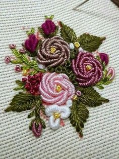 Wonderful Ribbon Embroidery Flowers by Hand Ideas. Enchanting Ribbon Embroidery Flowers by Hand Ideas. Bullion Embroidery, Brazilian Embroidery Stitches, Hardanger Embroidery, Learn Embroidery, Hand Embroidery Stitches, Silk Ribbon Embroidery, Crewel Embroidery, Embroidery Techniques, Embroidery Needles