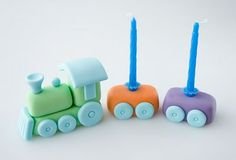 Here are some great train party ideas and tutorials. A train party is fun for both boyrs and girls of all ages. Check out the train party cake topper tutorial. Fondant Toppers, Fondant Cakes, Cupcake Cakes, Trains Birthday Party, Train Party, Birthday Cakes, Pirate Party, Cake Topper Tutorial, Fondant Tutorial