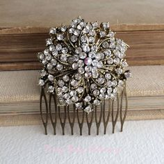 Hey, I found this really awesome Etsy listing at https://www.etsy.com/listing/186217856/gold-hair-comb-vintage-hair-comb-vintage
