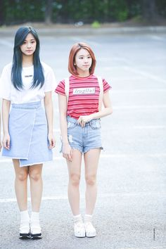 TWICE Tzuyu & Chaeyoung