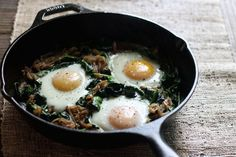 Looking for a Sunday brunch recipe? Try this Power Greens Breakfast Skillet from MyFitnesspal's own @ellepennerRD!