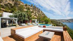 White Ibiza Villas: Villa Cristobelle, villa in Ibiza Es Cubells Luxury Real Estate Agent, Ibiza Town, Balearic Islands, Enjoy Your Life, Waterfront Homes, Outdoor Furniture Sets, Outdoor Decor, Best Location, Luxury Homes