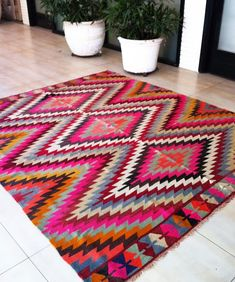 I want this Table Tonic rug!