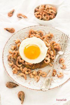 Halligbrot ist ein traditionelles Gericht in Nordfriesland. Halligbrot Pfannen-Taler Style ist eine gelungene Neuinterpretation des Rezepts.