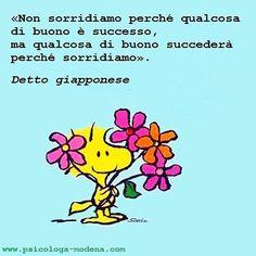 Ognuno costruisce la realtà che poi subisce (o gestisce). #sorridere #gestire Easter Messages, Most Beautiful Words, Snoopy Love, Words Quotes, Life Lessons, Positive Quotes, Best Quotes, Inspirational Quotes, Positivity