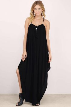 Spice up a plain black dress with a long silver necklace!
