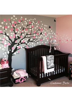 Cute Baby Girl Nursery Idea 19