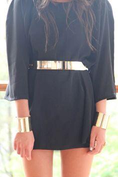 Love that thin gold metal belt