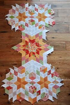 6 point diamond paper piecing from Pleasant Home...WOWZERS!!!!