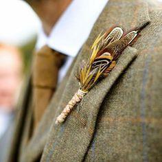 Souvenir x nail design - Nail Desing Boutonnieres, Feather Boutonniere, Feather Bouquet, Groom Boutonniere, Feather Crafts, Feather Art, Feather Jewelry, Phesant Feathers, Groom Looks