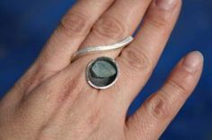 Ring in 925 silver with rough aquamarine.
