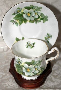Paragon Fine Bone China Footed Cup & Saucer in the Canadian Provincial Dogwood design