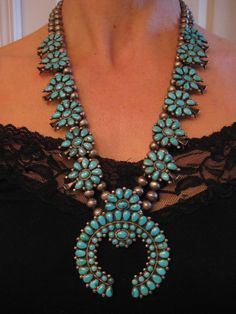 EARLY vintage ZUNI LONE MOUNTAIN TURQUOISE PETIT POINT SQUASH BLOSSOM NECKLACE