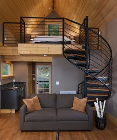 Boven slapen op vide, compact wonen beneden