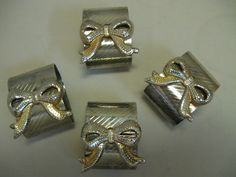 $9.99 Silver Plate or Tone Napkin Rings With Gold & Silver Color Bows Rib Design Qty 4