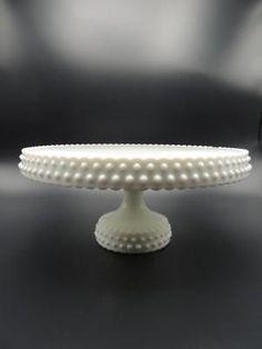 Beautiful-1960s-L-E-SMITH-Milk-Glass-HOBNAIL-Pedestal-CAKE-STAND-Plate-RARE