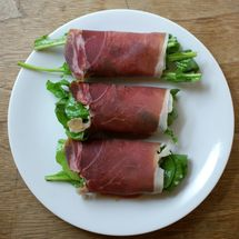 Summer Dinners In a Snap With Recipes Ready In 10 Minutes or Less: Prosciutto Arugula Salad Rolls