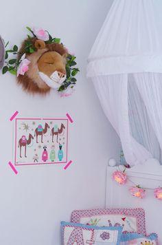 bibib bestenkop leeuw versierd met bloemen