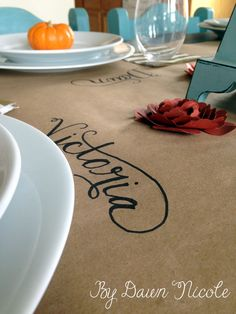 Kraft Paper Table Runner & Simple Thanksgiving Tablescape at bydawnnicole.com