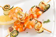 ¿Cómo preparar un plato delicioso en tan solo 15 minutos? Lo tenemos y su nombre es brocheta, si unas espectaculares brochetas de langostinos y calabacín q