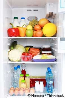 14 Ways to Save Money on Groceries: excellent tips on how to store food so it stays fresh longer!!!
