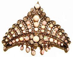 RoyalDish - Opal Tiara - page 93