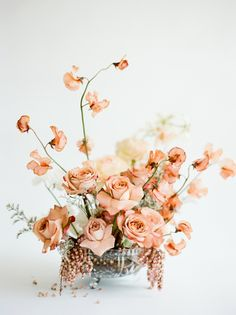 Are you thinking about having your wedding by the beach? Are you wondering the best beach wedding flowers to celebrate your union? Here are some of the best ideas for beach wedding flowers you should consider. Coral Wedding Flowers, Romantic Flowers, Wedding Flower Arrangements, Floral Centerpieces, Wedding Centerpieces, Floral Wedding, Floral Arrangements, Wedding Bouquets, Beautiful Flowers
