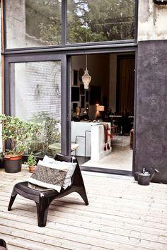 Außenmöbel Design, kombiniert mit modernen Textilien sorgen für Gemütlichkeit