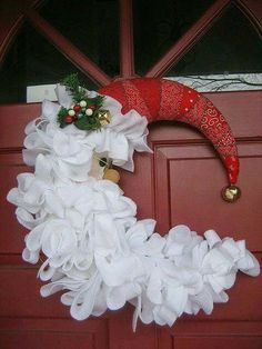 50 DIY Santa Christmas Decoration IdeasSanta Claus is the most famous fictional character associated with Christmas. Wreath Crafts, Diy Wreath, Christmas Projects, Holiday Crafts, Holiday Fun, Wreath Ideas, Santa Crafts, Mesh Wreath Tutorial, Tulle Wreath