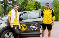 We Love Soccer-Player Best Football Players, Soccer Players, Christian Pulisic, Chelsea Football, Love Me Like, Bees, Hot, Club, Borussia Dortmund