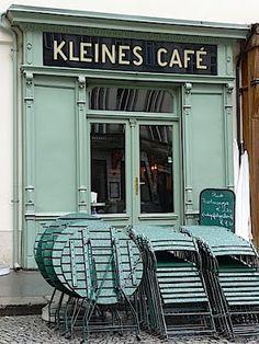 Kleines Cafe, Franziskanerplatz, Vienna  though i prefer it opened...