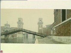 Luigi Ghirri, Venezia, ponte dell'Arsenale, 1986 History Of Photography, Art Photography, Noli Me Tangere, Italian Art, Luigi, Art History, Places To Go, Italy, Film Camera