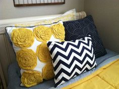 Navy and yellow for guest bedroom....a classy, Georgia Southern room...