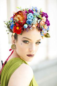 Koki9 with flower headpiece by Carbickova www.carbickova.etsy.com Photography: Michal