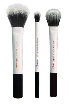 Create buildable color and add texture to look pixel perfect for any occasion and in any light with this  first and only duo-fiber set: includes 3 limited edition brushes:   duo-fiber face brush: for lightweight application duo-fiber contour brush: for controlled contouring and sculpting duo-fiber eye brush: for finishing touches to the eye a true multi-tasker – duo-fiber bristles work with cream, liquid or powder for an unbelievably air-brushed finish ultra-plush, synthetic bristles are…