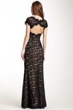ML Monique Lhuillier Lace Cap Sleeve Gown