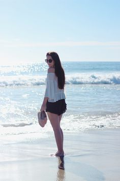 Keep it light during the summer with a flowy top for a laidback beach #outfit. #OOTD #style #fashion