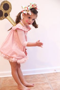halloween costumes 2018 wind-up doll wind-up doll halloween costume, DIY halloween costume, girls costumes, thejohnsonsjourney Costume Halloween, Looks Halloween, Halloween 2018, Diy Costumes, Halloween Kids, Halloween Party, Costume Ideas, Halloween Makeup, Toddler Girl Halloween Costumes